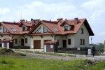 Dom w klematisach